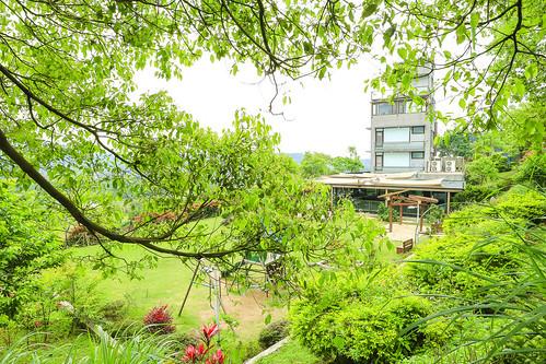 淡水親子餐廳【日光行館】隱身在一片寶寶綠的下午茶、排餐景觀餐廳