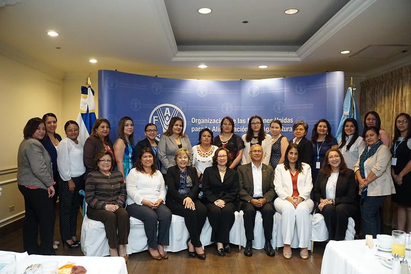 FAO El Salvador reconoce el aporte de funcionaras