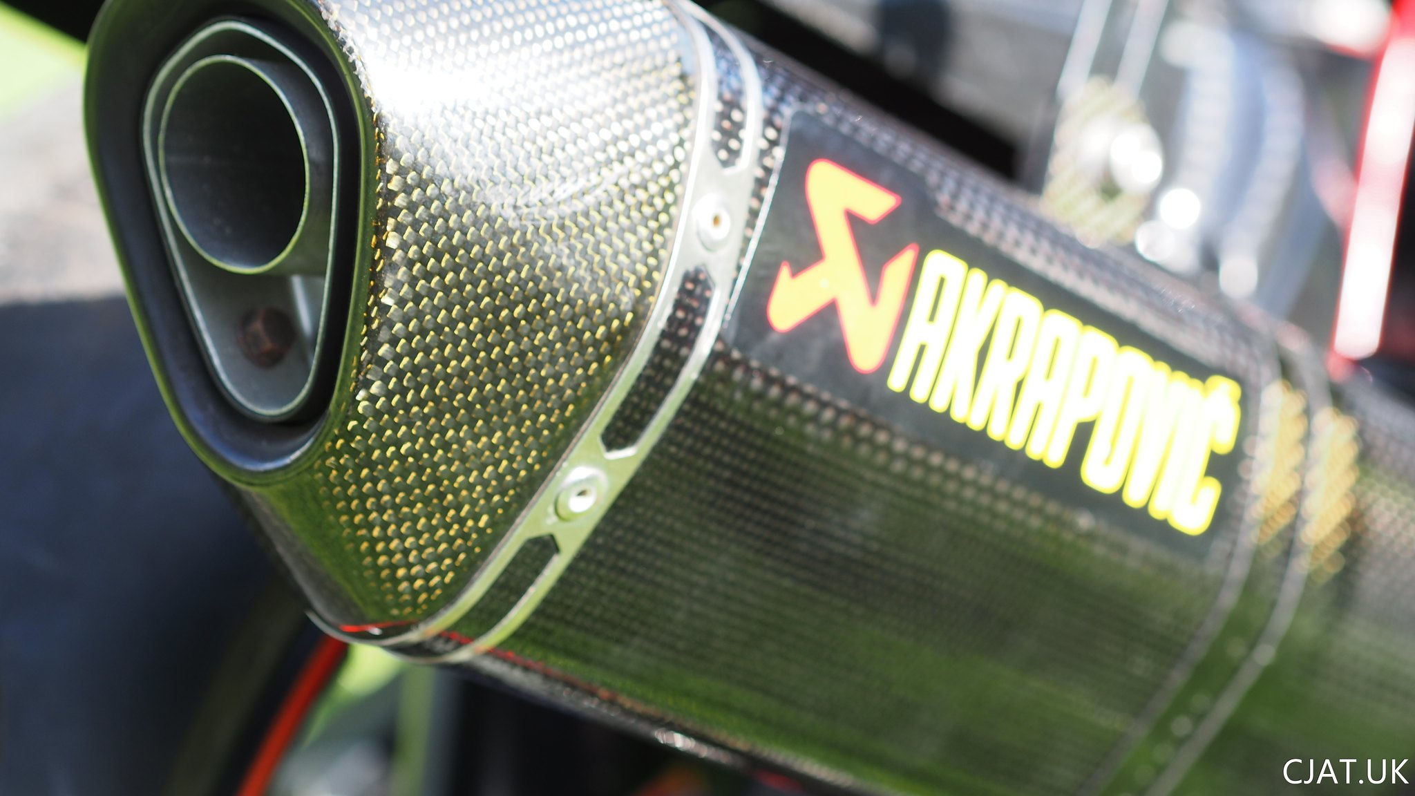 Akrapovic Carbon Hex end can with baffle in and carbon hanger
