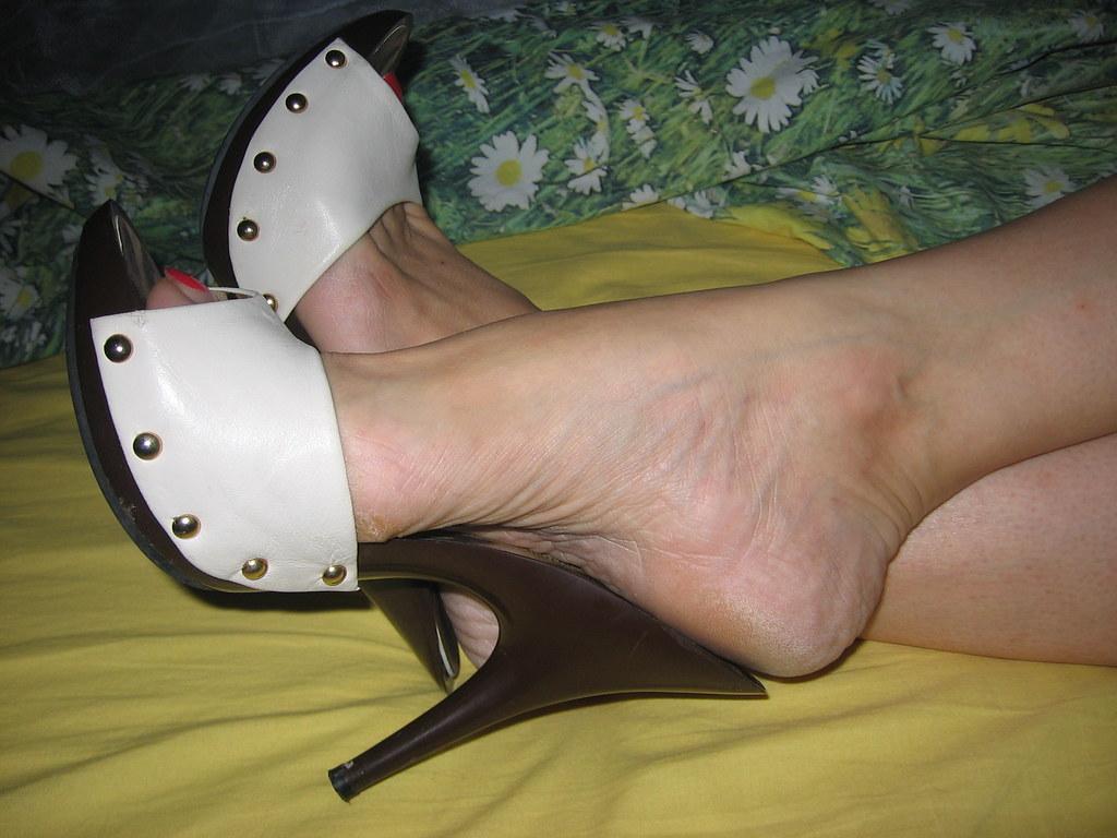 Sara Relaxing In High Heel Clogs  Sara Lovely Feet -3633