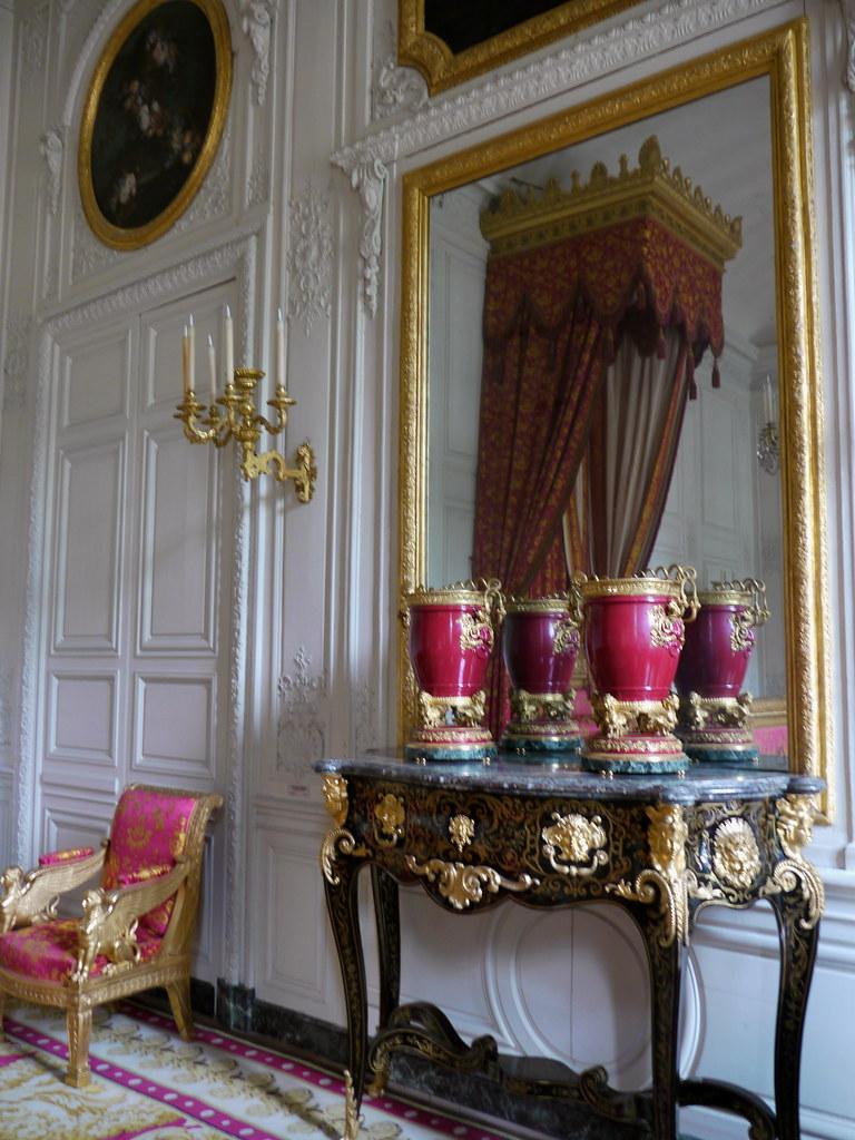 Versailles yvelines chambre de la reine des belges fill for Chambre belge des traducteurs