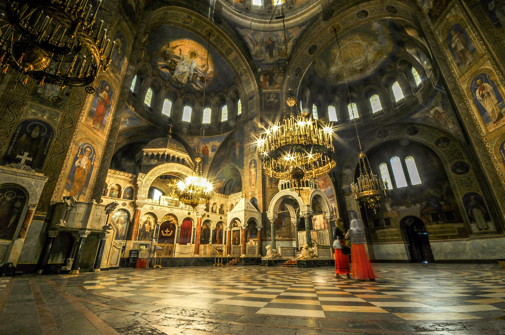 The interior of the Alexander Nevsky Cathedral, Nizhny Novgorod, Russia [1024 x 680]