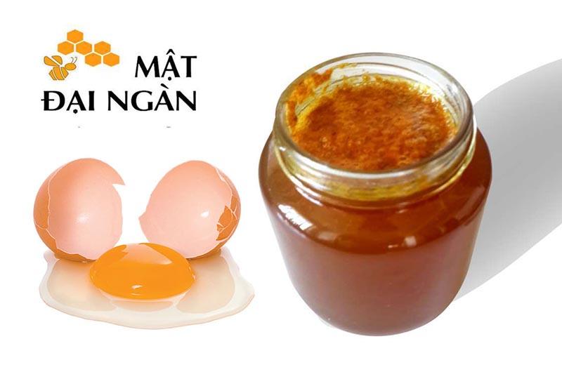 làm đẹp với lòng trắng trứng gà và mật ong