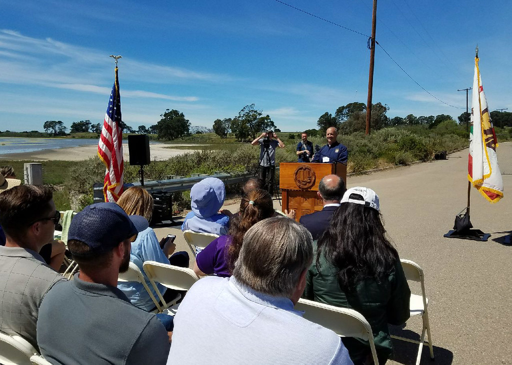 Steve Henry, Ventura Fish and Wildlife Office field supervisor, addresses the crowd at the North Campus Open Space groundbreaking.
