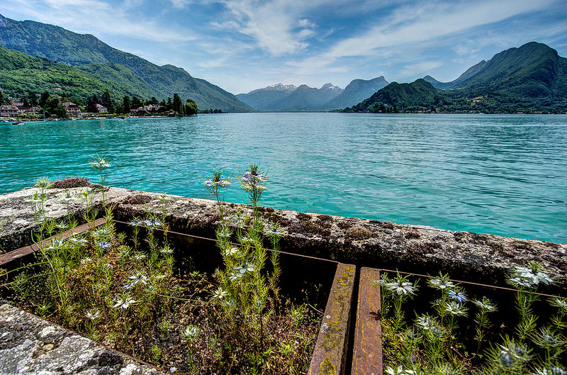 lake_annecy_france