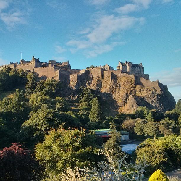 Good morning from Edinburgh! #edinburgh #castle #sunny #summer #festival
