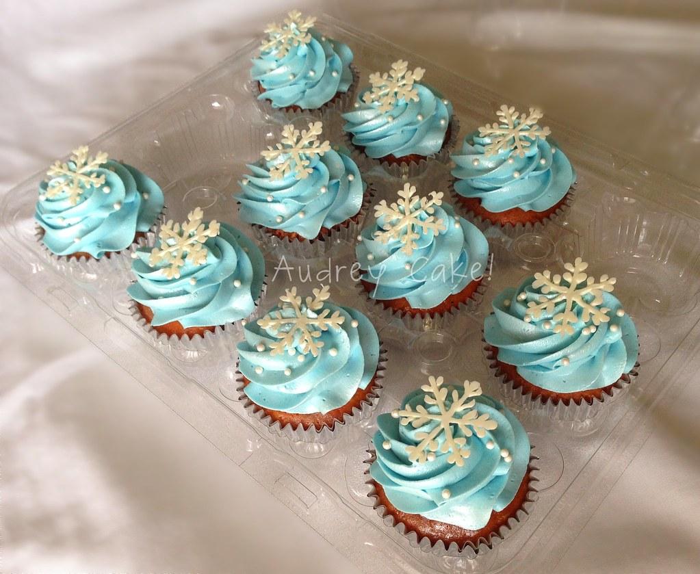 Cupcake Snowflake Cake