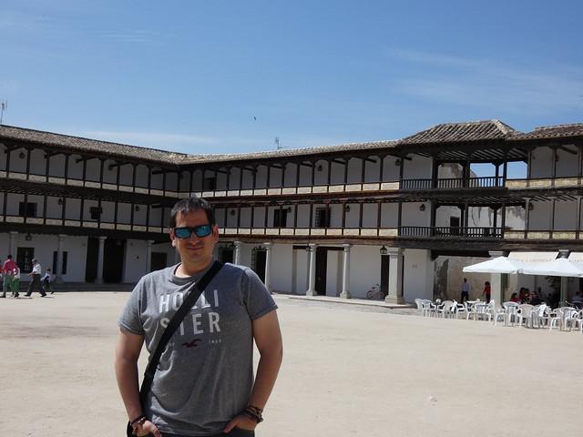 Sele en la Plaza Mayor de Tembleque (Toledo) - Ruta de Don Quijote de La Mancha