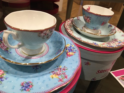 Royal Doulton cups and saucers, Rustan's