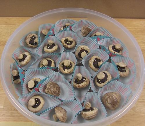 meringue mushroom birthday treats