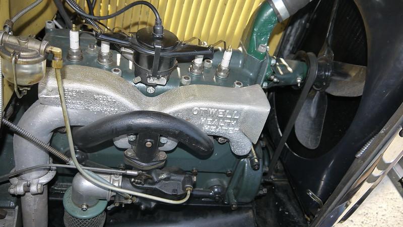 Les moteurs Ford V4/V6/V8 34213379855_9611eabbe8_c