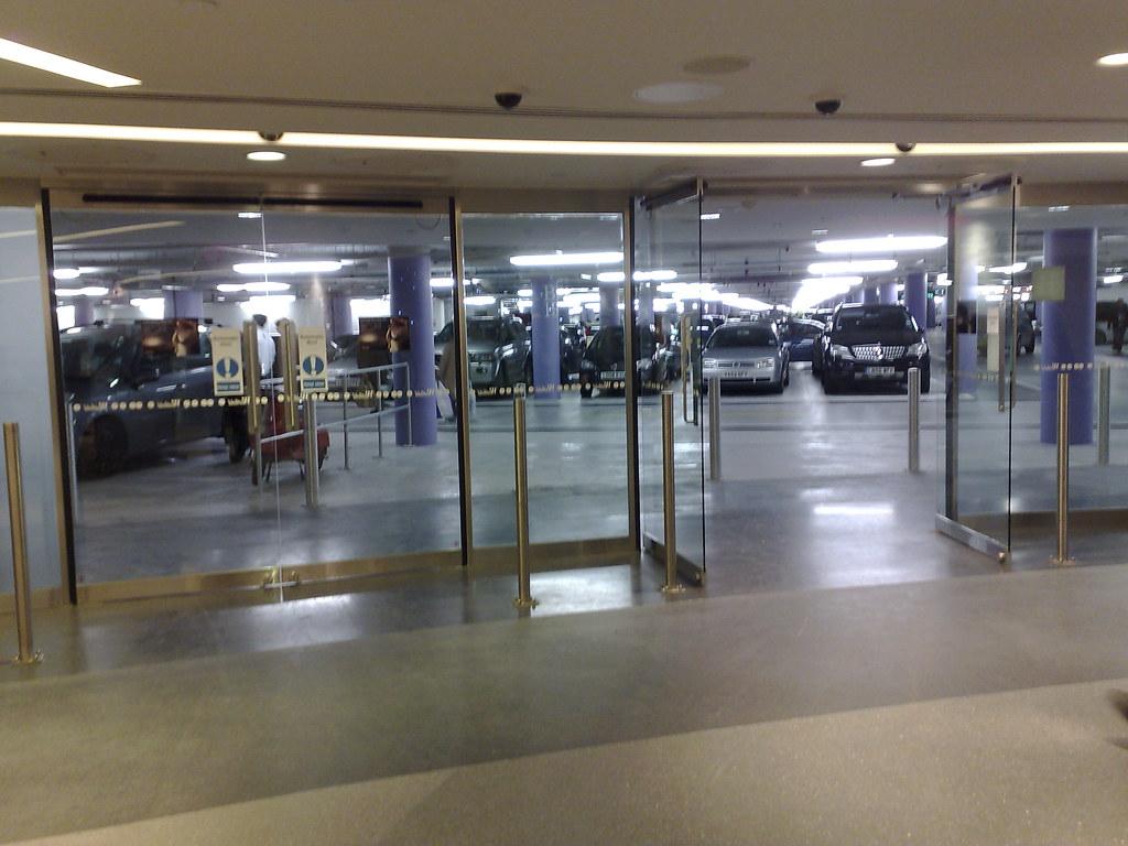 car park westfield shopping centre london 22nd november 20. Black Bedroom Furniture Sets. Home Design Ideas