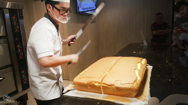 taiwan original cake sunway velocity cutting
