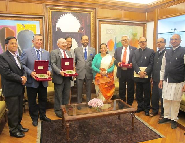 Reunión con la Presidenta de la Cámara Baja Sumitra Mahajan