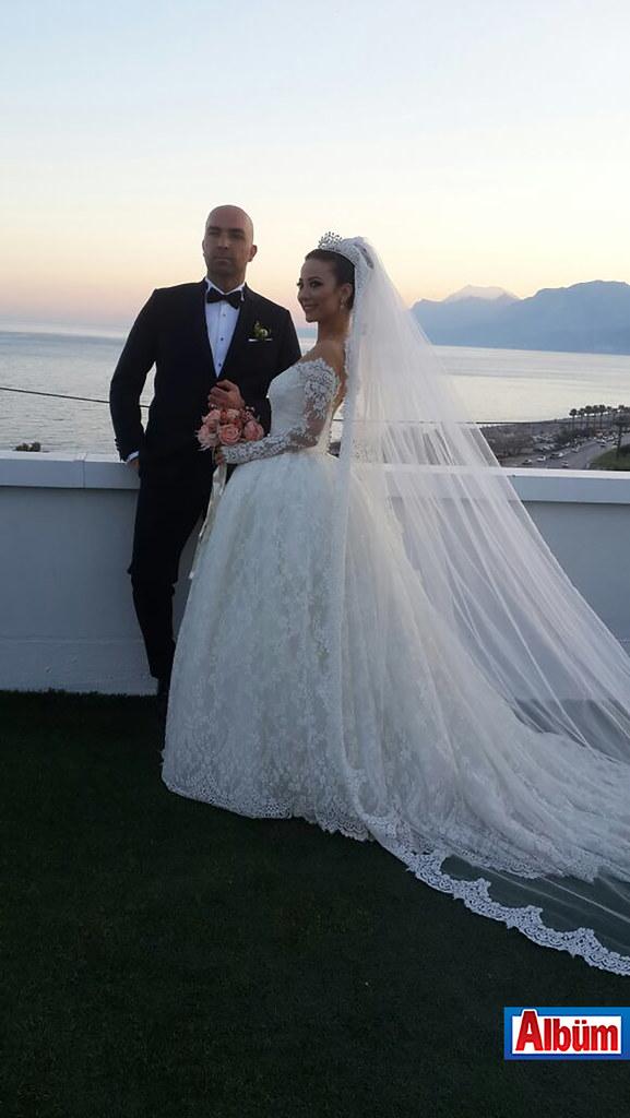 Nikahlarını Çavuşoğlu kıydı ( Yeliz Yakar ve Mehmet Palancı düğün)4