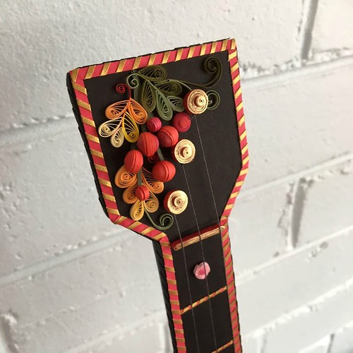 Quilled Balalaika - Detail