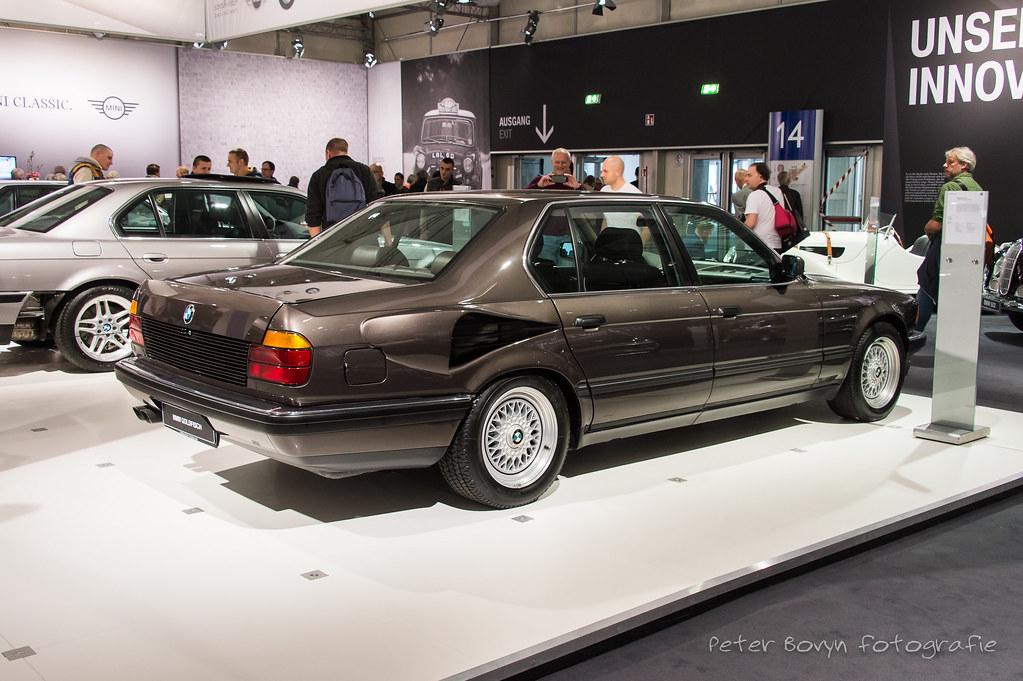 BMW 750iL V16 \