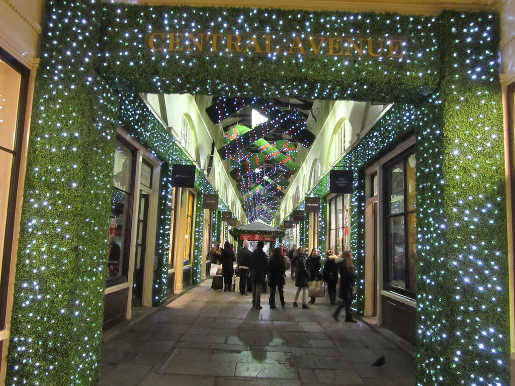 UK - London - Covent Garden - Christmas decorations in Cen… | Flickr