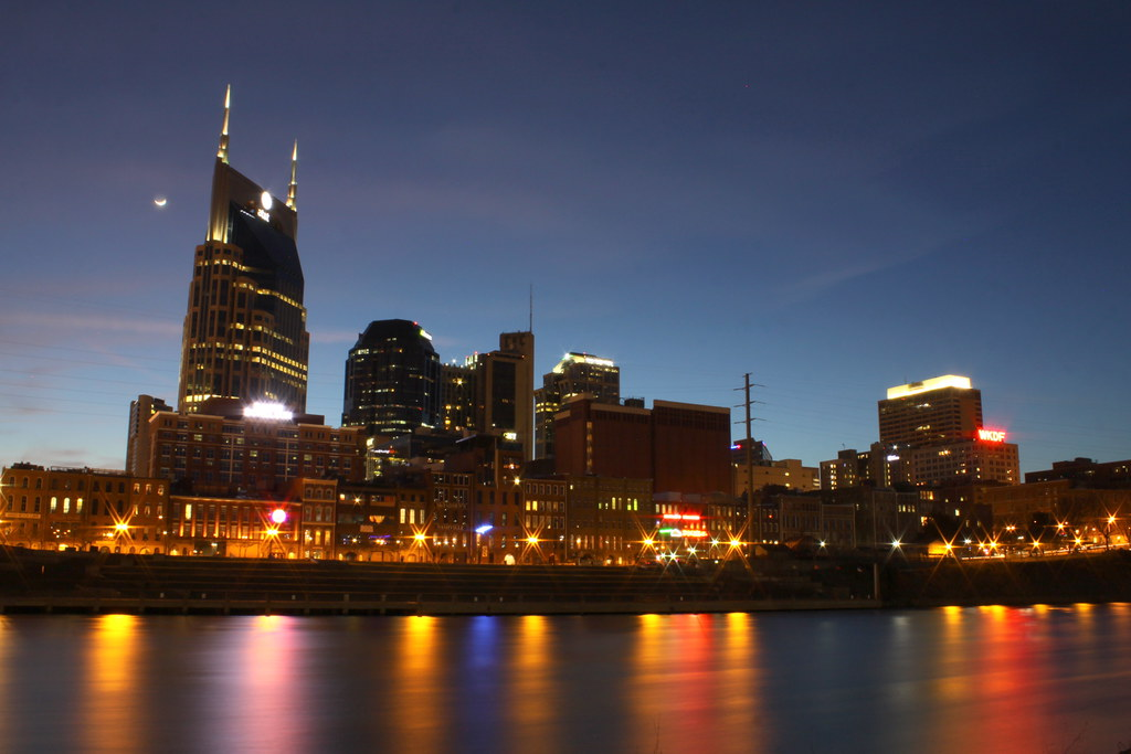 nashville skyline at dusk 2014  3