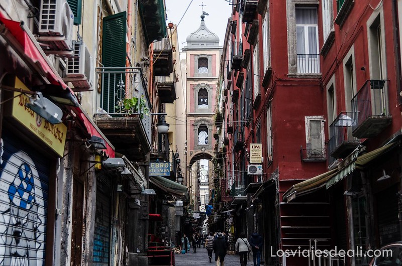 paseos por Nápoles calle San Gregorio Armeno