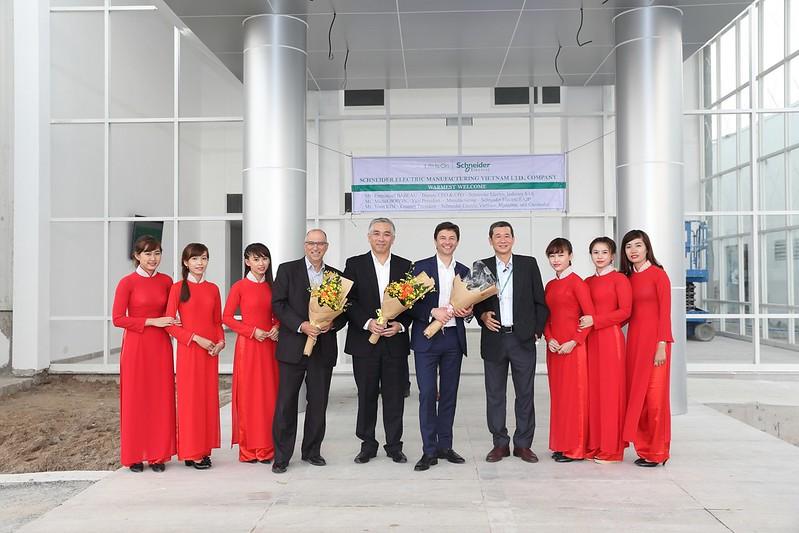 Dịch vụ quay phim chụp hình - Thái Hoàng TV - Uy Tín  Chuyên Nghiệp 33328040653_0fac6b3263_c Quay phim chụp hình sự kiện - event - hội nghị