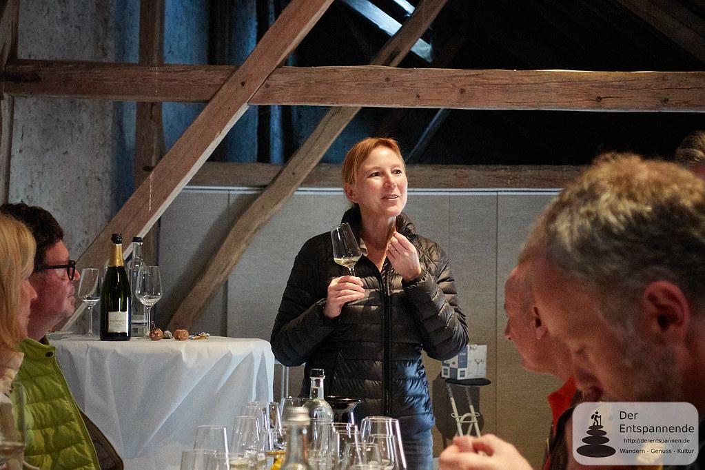 """Sommeliere Yvonne Heistermann, Session zu """"Glaskunde mit Karaffieren & Dekantieren"""""""