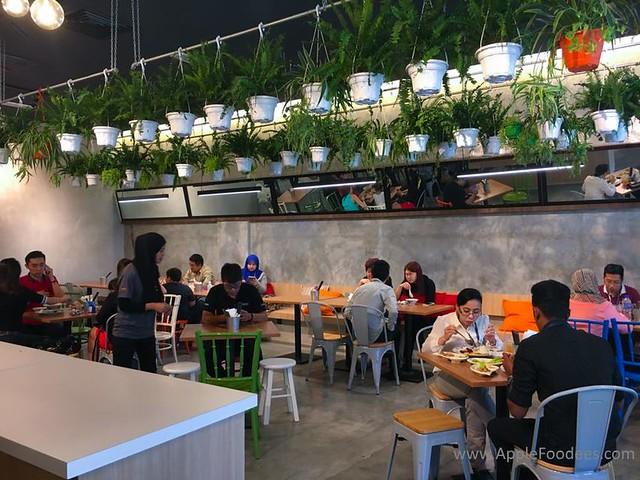 Make Make Cafe - Restaurant Layout 2