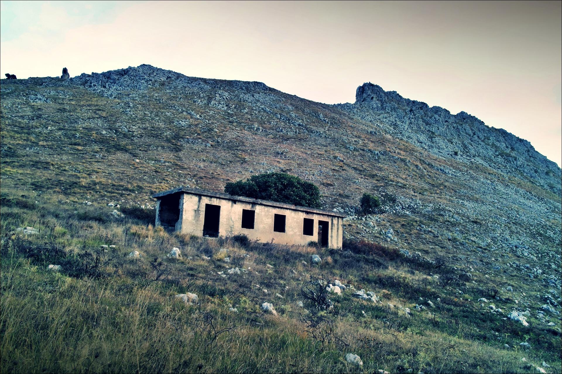 은신처-'카미노 데 산티아고 북쪽길. 리엔도에서 산토냐. (Camino del Norte - Liendo to Santoña) '