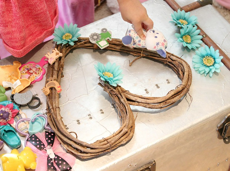 DIY: Toy Wreath With Toys Around The House