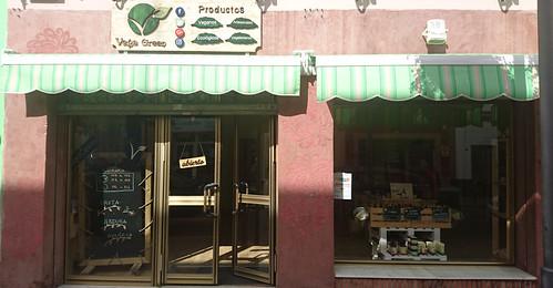 Vega Green ofrece sus cestas de verduras y frutas ecológicas