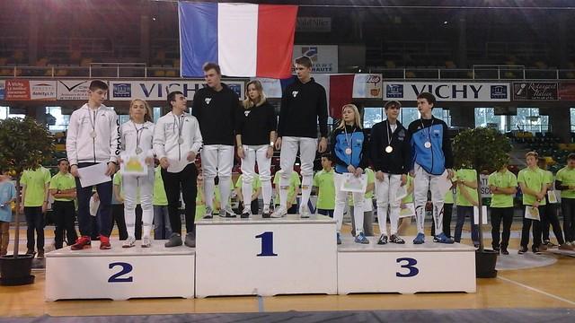 Des élèves du lycée Louis Lumière ont remporté les championnats de France UNSS en épée