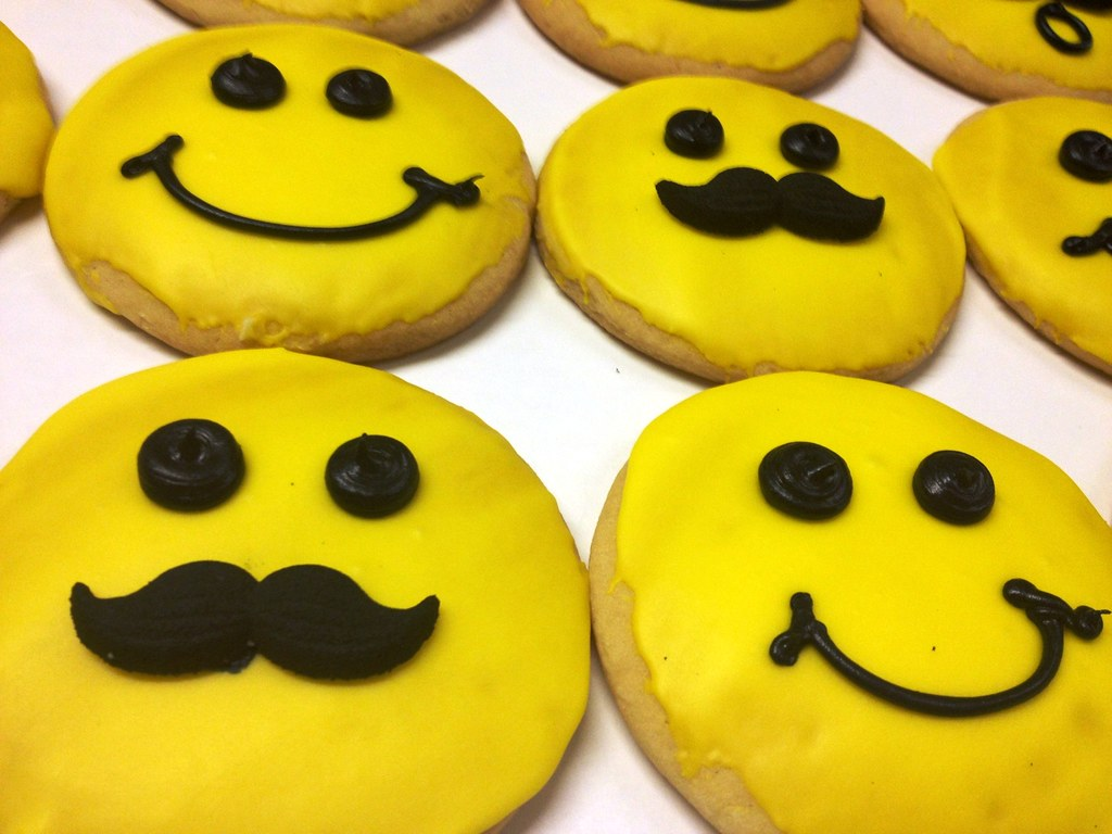 mustache smiley face cookie by stansbakerycom