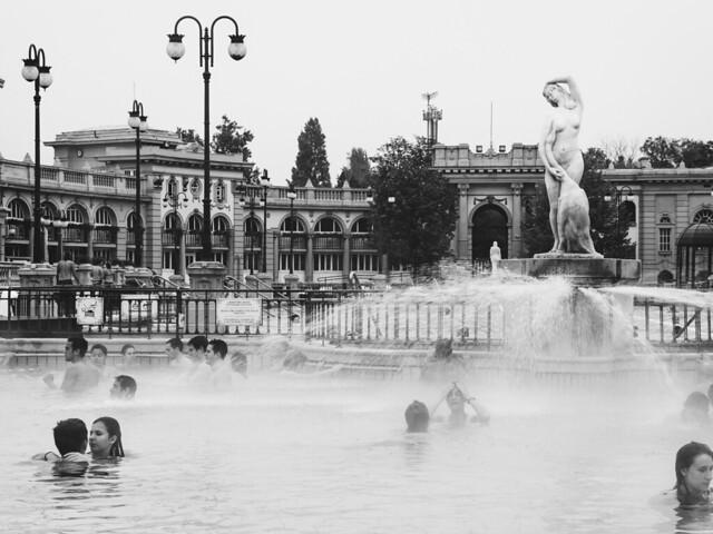 Los ba os turcos de budapest explore thetimetraveler 39 s p flickr photo sharing - Banos budapest ...