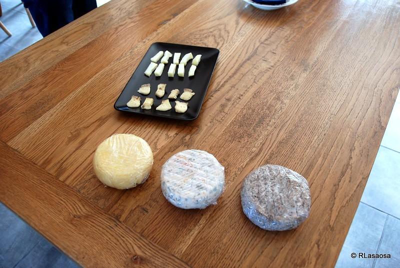 Tipos de quesos y degustación en la quesería La Jarradilla
