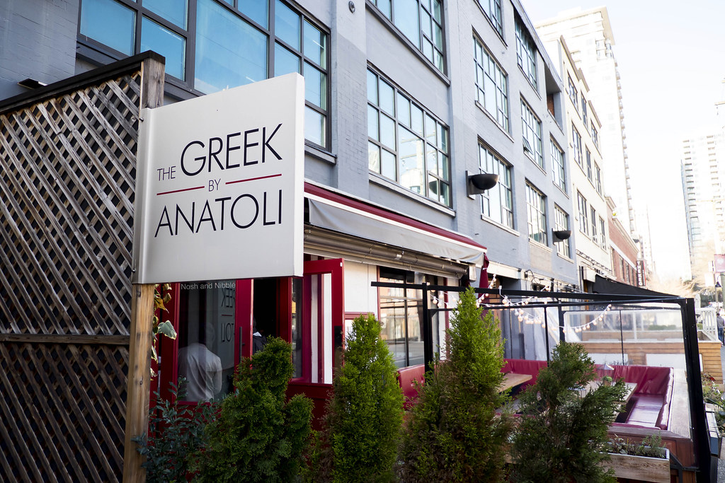 Nosh and Nibble - The Greek by Anatoli - Happy Hour Review - Vancouver #foodie #foodporn