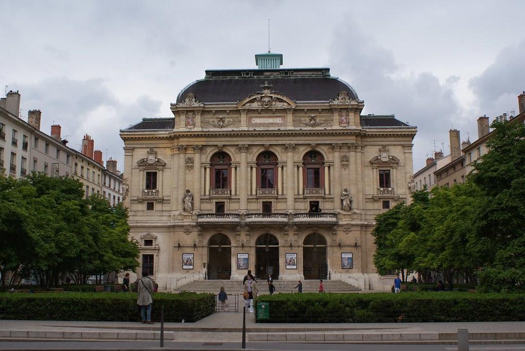 Place et théâtre des Célestins à Lyon.