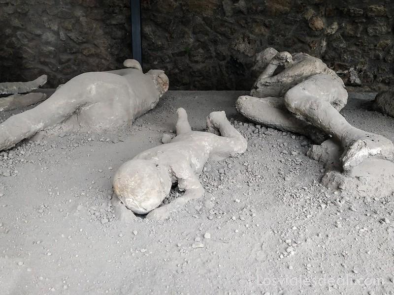 visita a Pompeya cadáveres