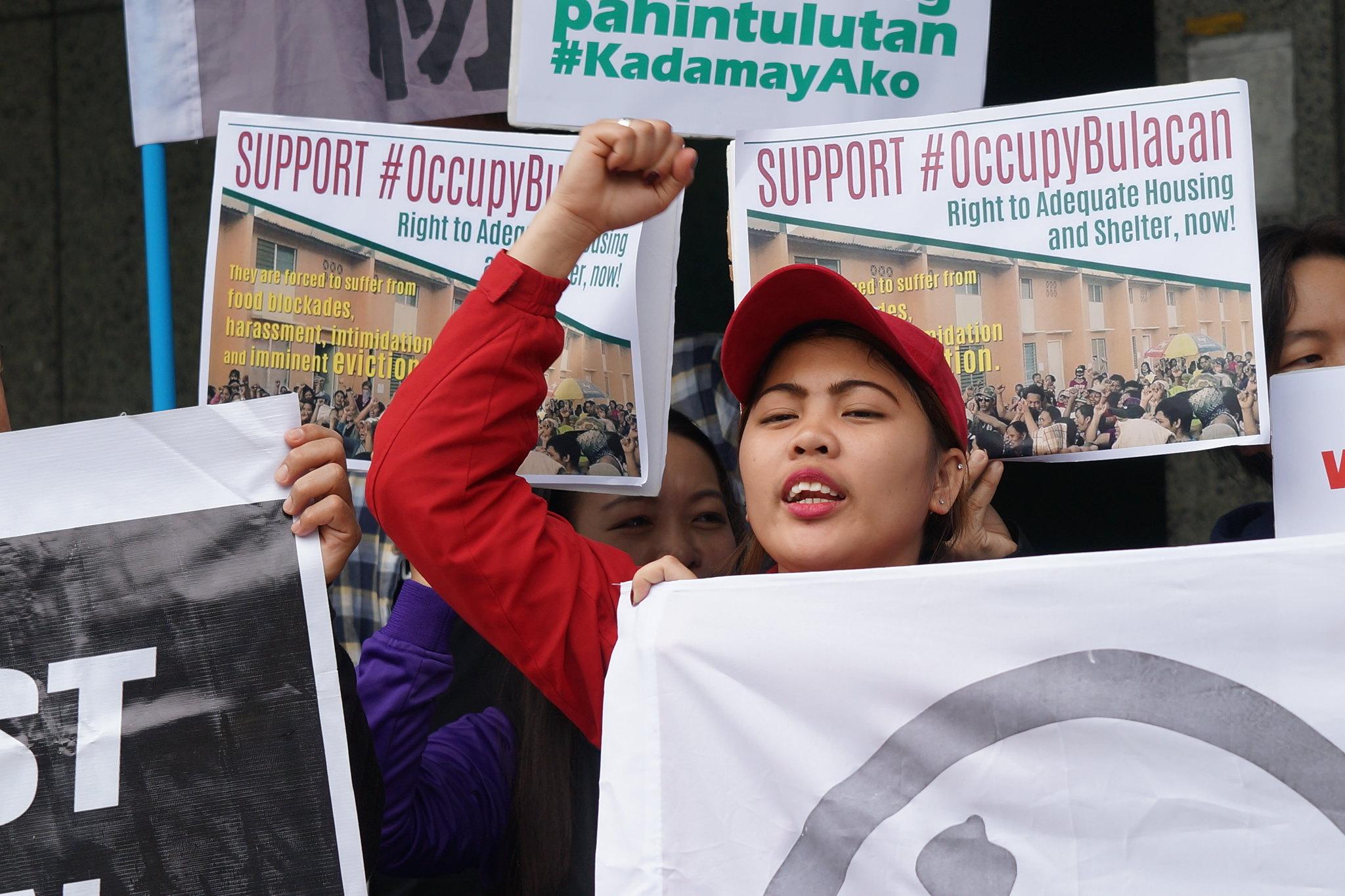 在台移工聲援菲律賓的佔屋運動。(攝影:王顥中)