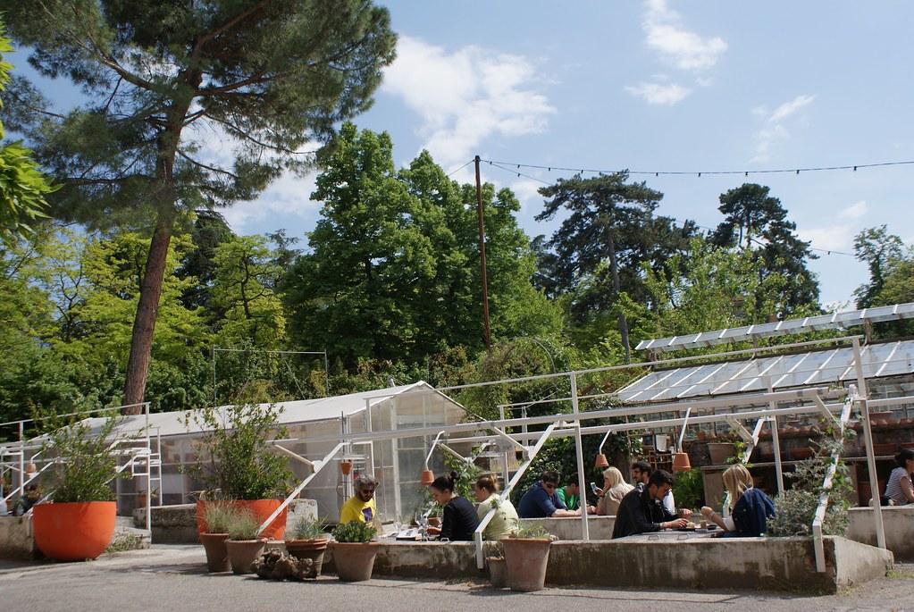 Les anciennes serres du Jardin Margherita à Bologne.