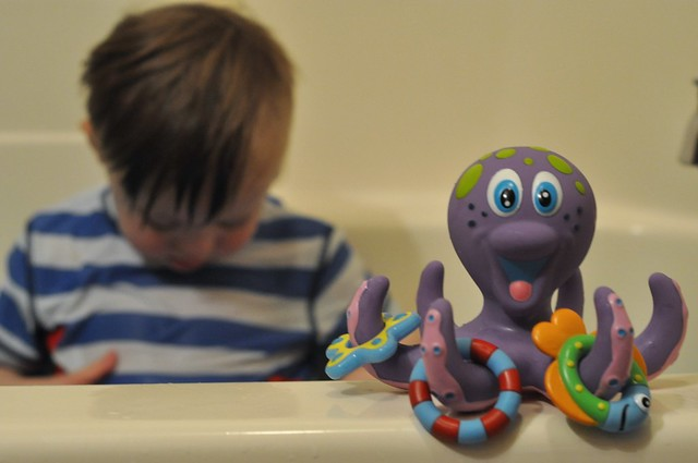 Nuby Octopus Hoopla