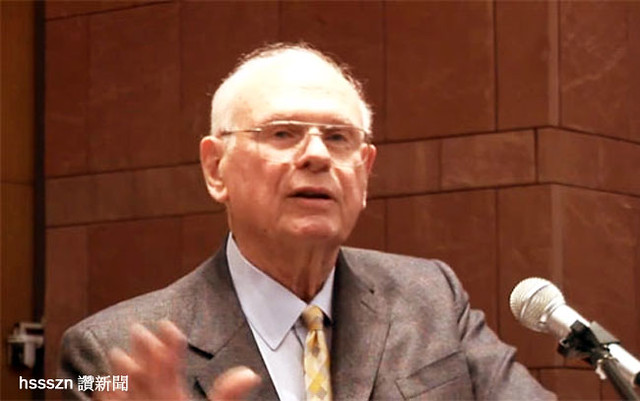 paul-hellyer-ex-canadian-defense-minister1