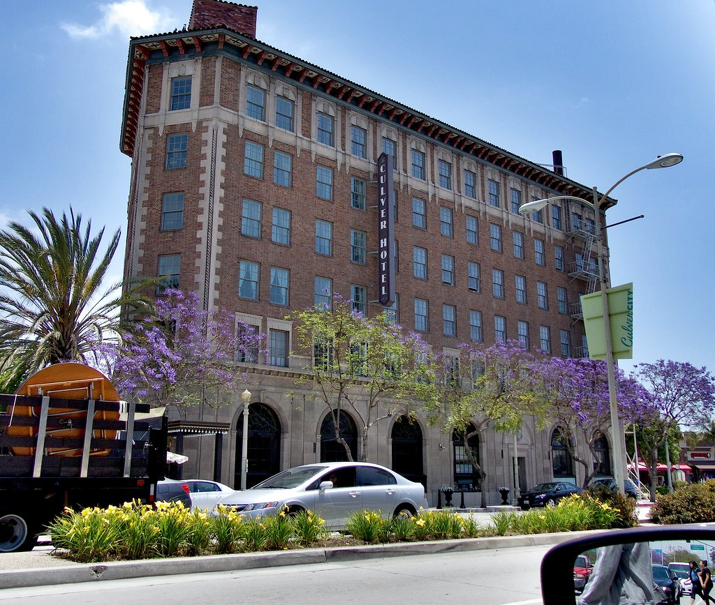 fz200 the culver hotel a culver city landmark in the heart. Black Bedroom Furniture Sets. Home Design Ideas
