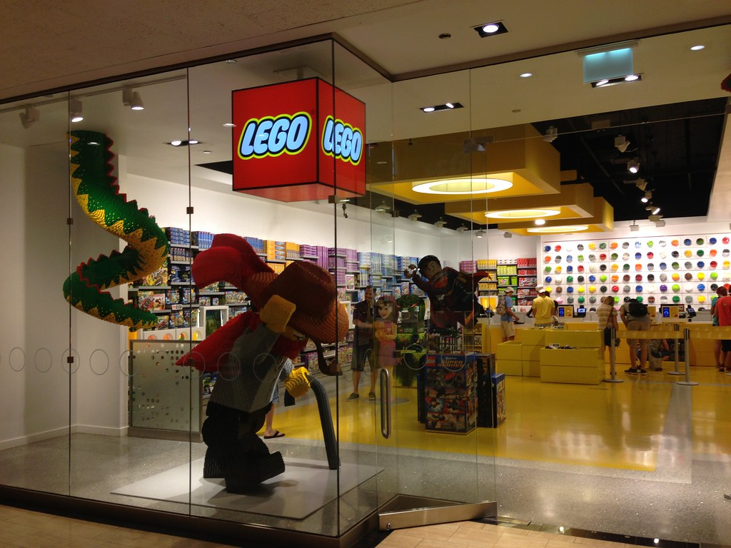the lego store chicago il brickapolis flickr. Black Bedroom Furniture Sets. Home Design Ideas