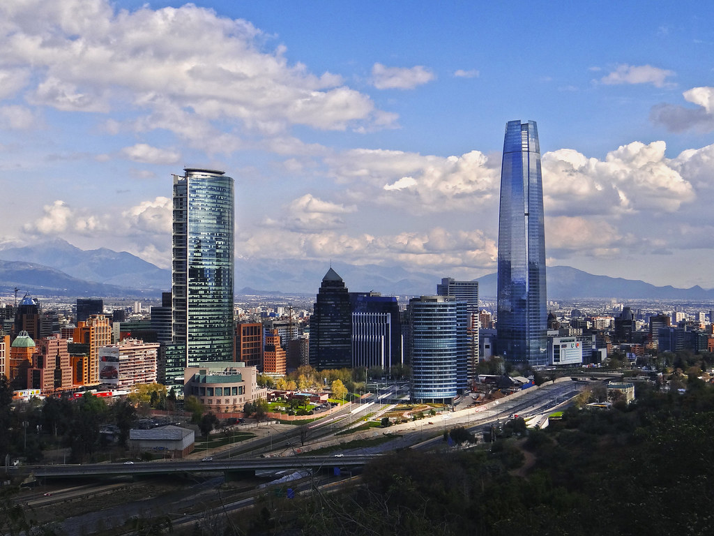 Santiago sanhattan chile south america juan pablo for Construccion de piscinas santiago chile