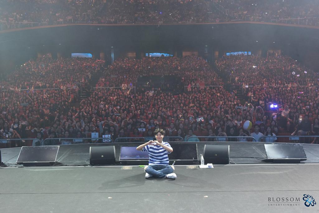 2016-2017 PARK BOGUM ASIA TOUR FAN MEETING IN SINGAPORE (4)