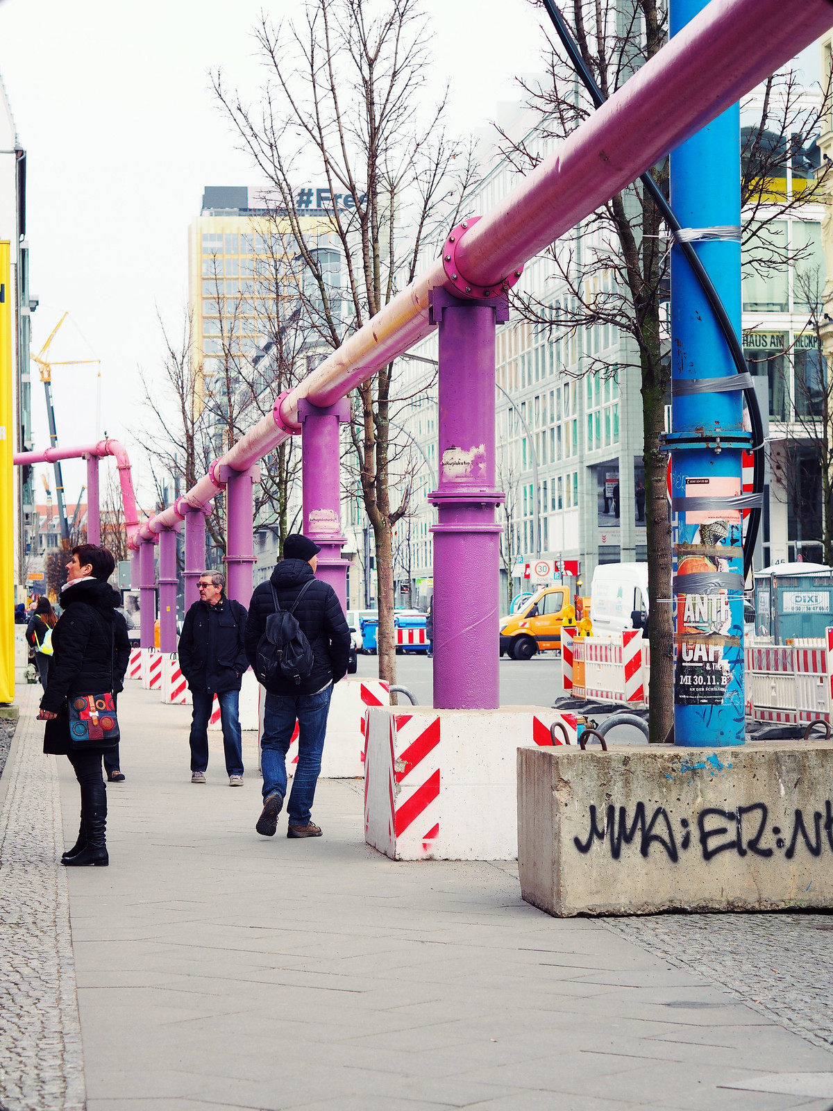 Berlin Blue Pink Pipes Water Supply Why_effected