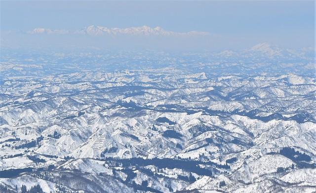 守門岳から望む妙高山・火打山
