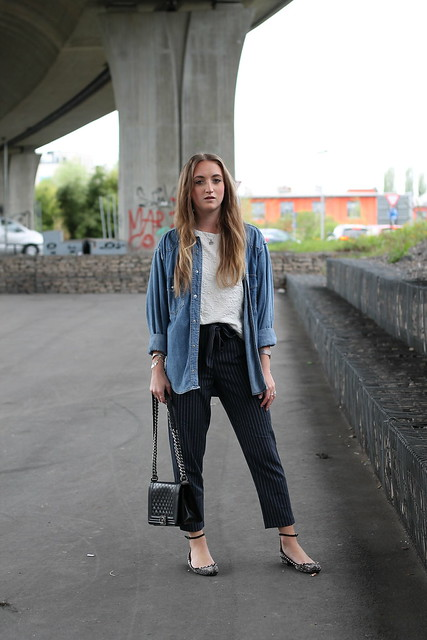 striped-pants-and-vintage-denim-whole-look-front-wiebkembg