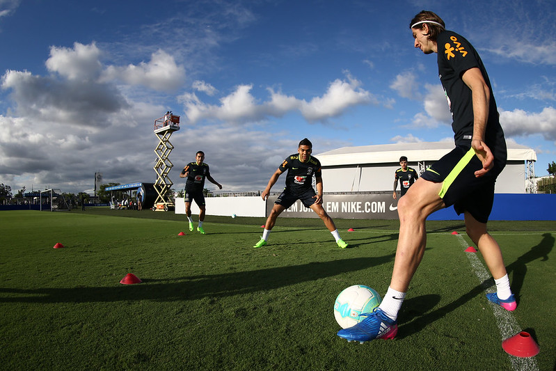 Seleção treina no CT do Corinthians
