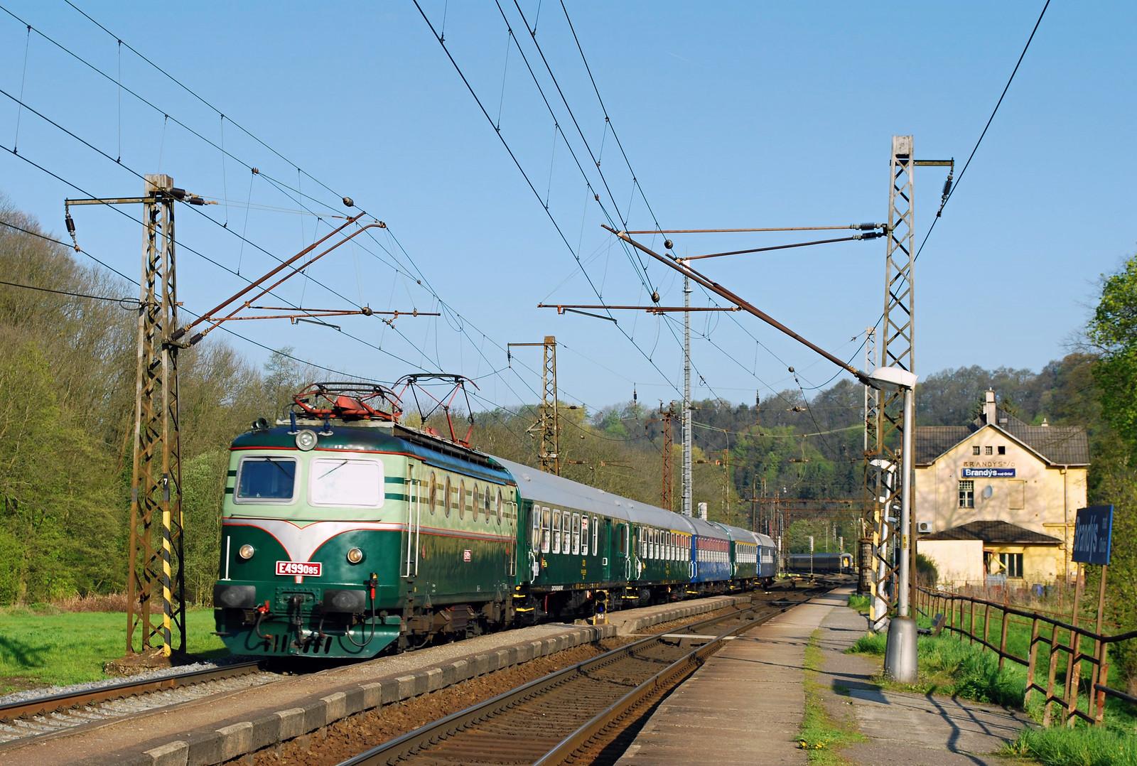 """E499.005, Brandýs nad Orlicí, mim. Ex 10005 """"Ostravan"""" (Praha Hl.n. - Ostrava střed)"""